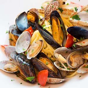 魚介の旨味たっぷりムール貝のペペロンチーノ