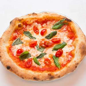 みんな大好きトマトとモッツァレラのマルゲリータ